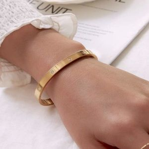 New gold plated bangle with rhinestone